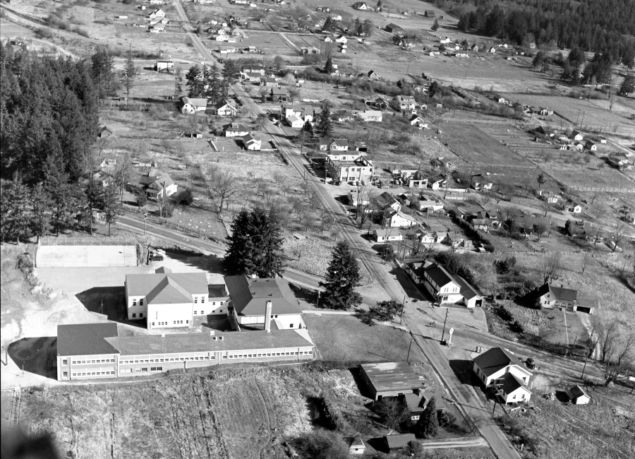 1954 - Aerial photo of site of Lamb's Thriftway - prior to construction - Arndt Neg 01