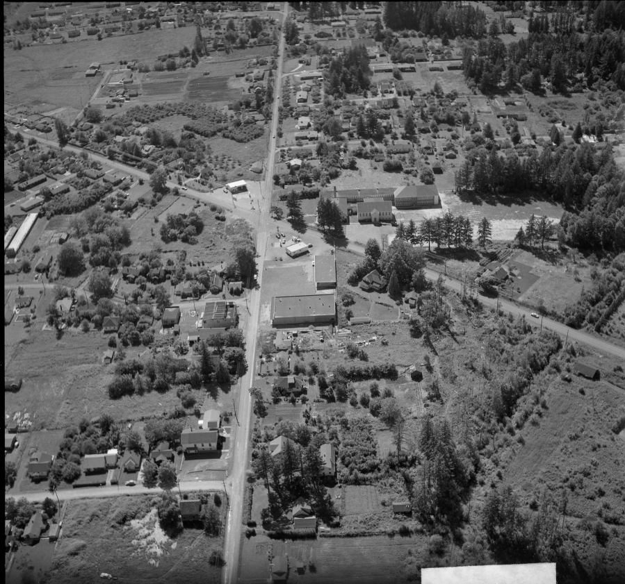 1957 - Aerial photo of Lamb's Thriftway - Newly constructed prior to opening - Arndt Neg 07