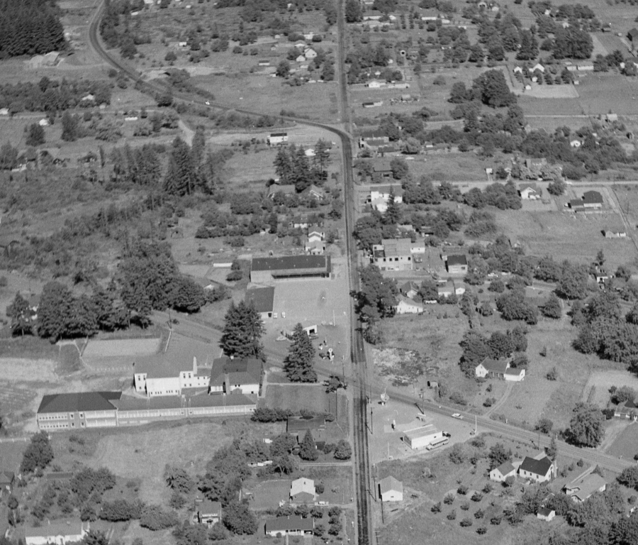 1957 - Aerial photo of Lamb's Thriftway - Newly constructed prior to opening - Arndt Neg 08 detail
