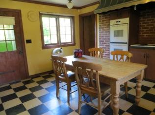 Frank Estate - kitchen