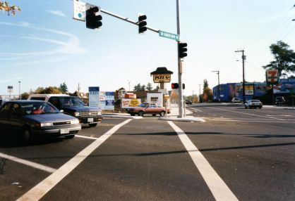 Lambs Thriftway 1995, original strip mall - intersection of SW Garden Home Rd and SW Oleson Rd, Scottys bar with mural, Big Tomato Pizza sign