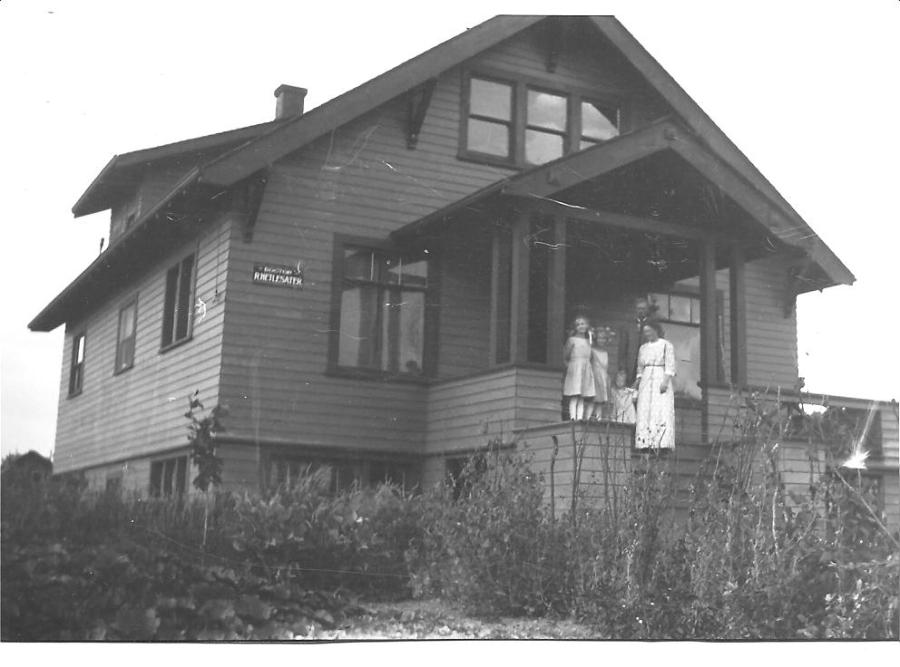 1914 Hetlesater Home on Mayo Ave