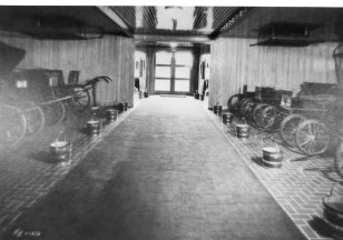 Frank buggy room