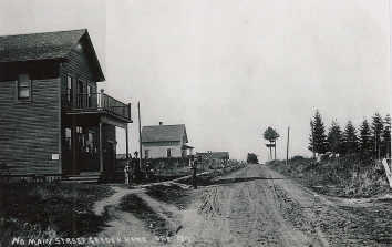 Looking west down Garden Home Road from the Red Store, 1911.
