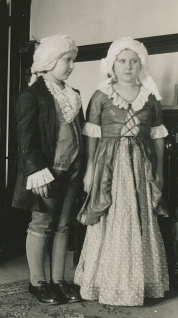 1940, George and Martha Washington, Zora & Sharka Becvar