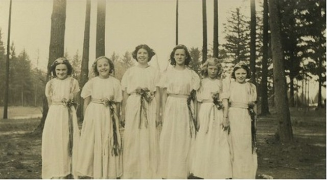 Garden Home School, 1939; Operetta: Isle of Chance; From left: Frances McMannis, June Farris, Eunice Scofield, Essie Jones, Burtene Waller, Betty McMannis