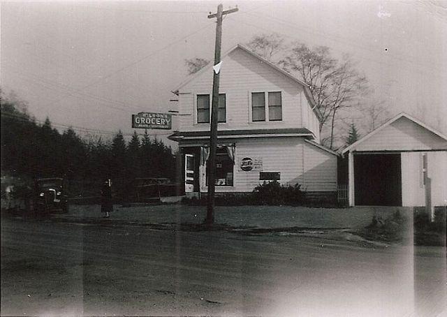 Upchurch Store (photo by Dorothy Stevens)