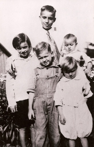 "Children of John Alden Oleson: Alden Louis 1907, Veola 1913 (mother of Robin Robinson), Alden Ole 1916 (father of Donna), Robert Wesley 1918, Elsie Jean 1920, all born at ""Oleson Station."""