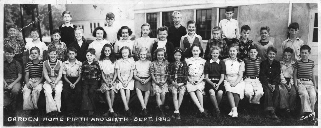 Students in GH fifth and sixth grade, 1943