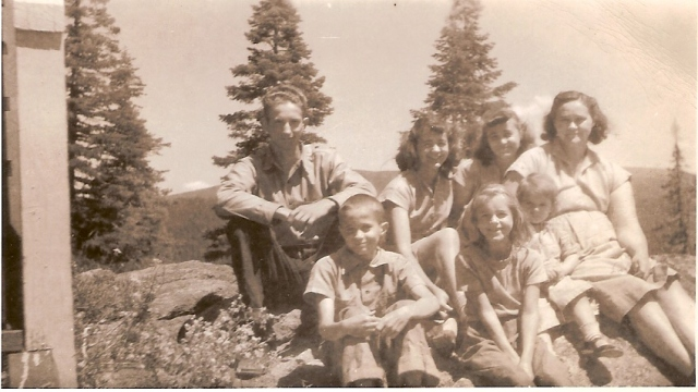 Jack Steele's six siblings. Donald, Joyce, June, mother Charity. Front: Bruce, Wanda, Crystal Steele.