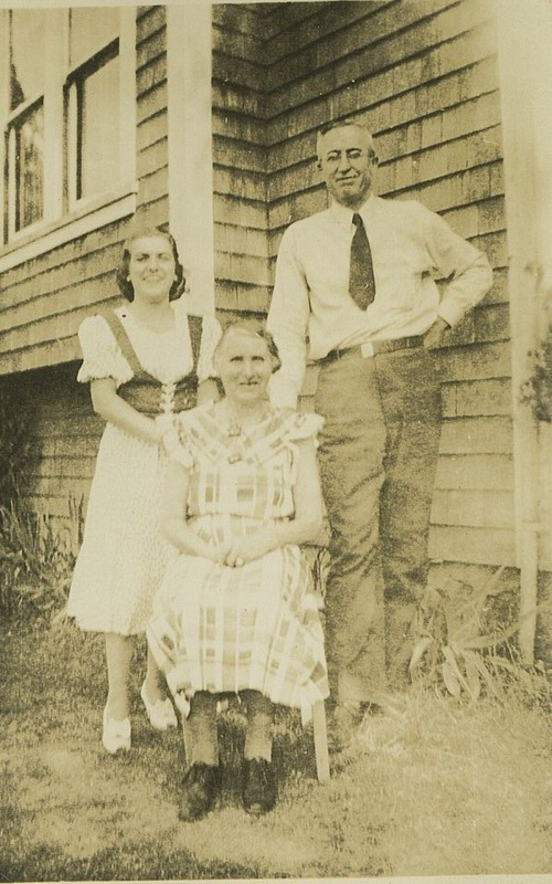 Millie Becvar, Mr. and Mrs.Fishburn, Becvar house on 76th Ave