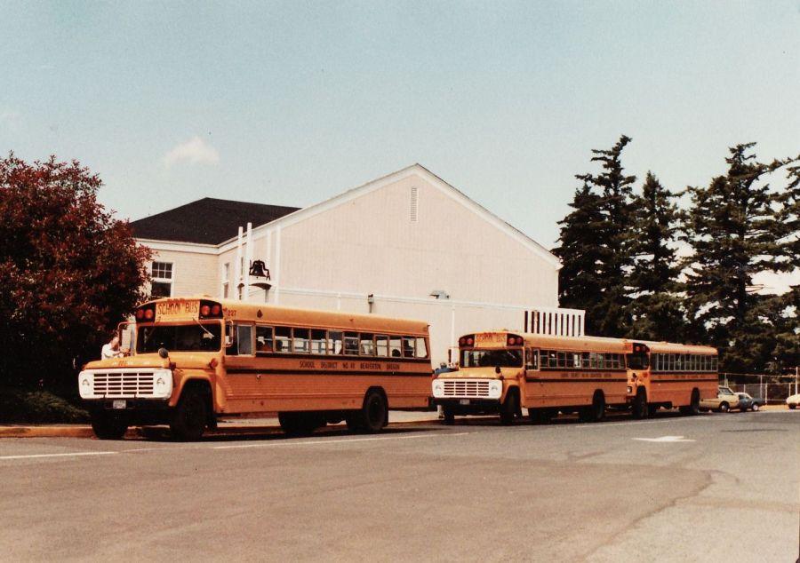 1982 Final day of Garden Home School - school busses