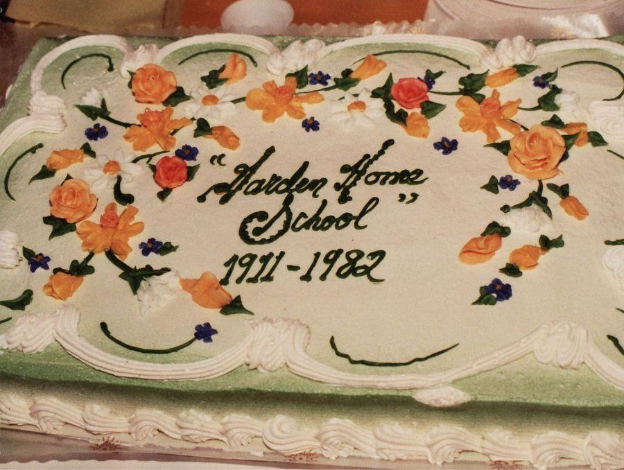 1982 Final day of Garden Home School - cake