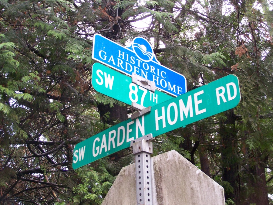 Historic Garden Home street sign