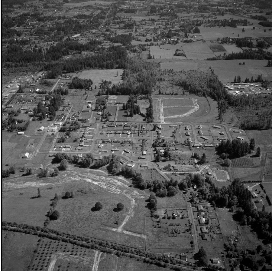 1957 Older section of Vista Brook from N