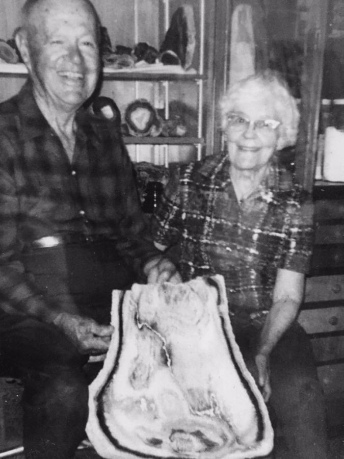 Glenn and Isolda Steele donating a Brazilian amethyst to the Smithsonian