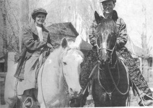 Isolda and Glenn Steele, 1917 honeymoon on horses - from Antelope, the Saga of a Western Town