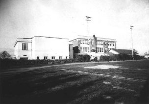 BHS 1915 building with 1929 addition (rear view circa 1940s)