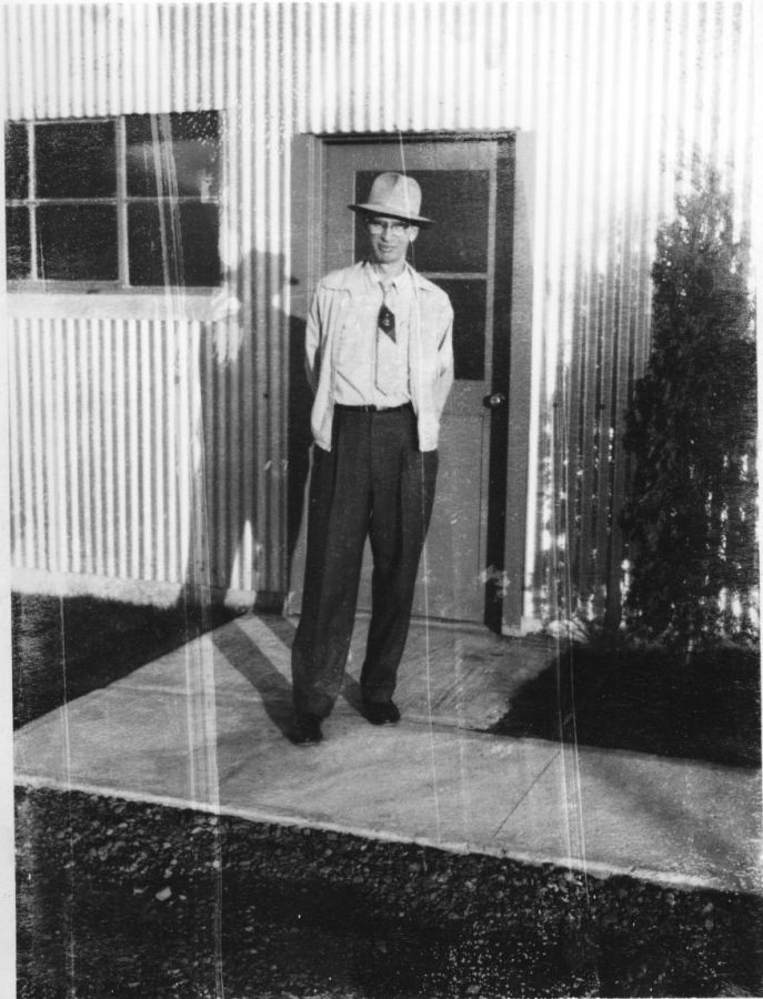 M. Lowell Edwards at his Garden Home laboratory, 1955