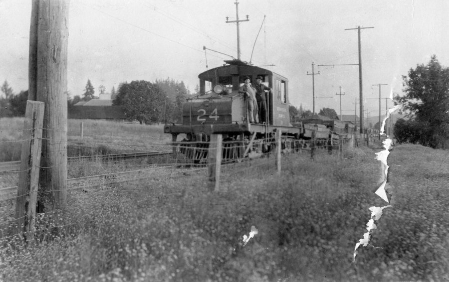 Oregon Electric - track construction 1