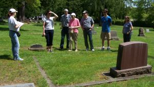 Tour guide Janice Logan - 2017 cemetery tour - Crescent Grove