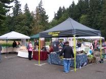 2018-08-25 Mini-Market - Vendors in parking lot