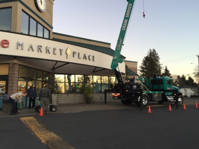 2019-01-30 Post Office Safe - Parent Crane Service arrives