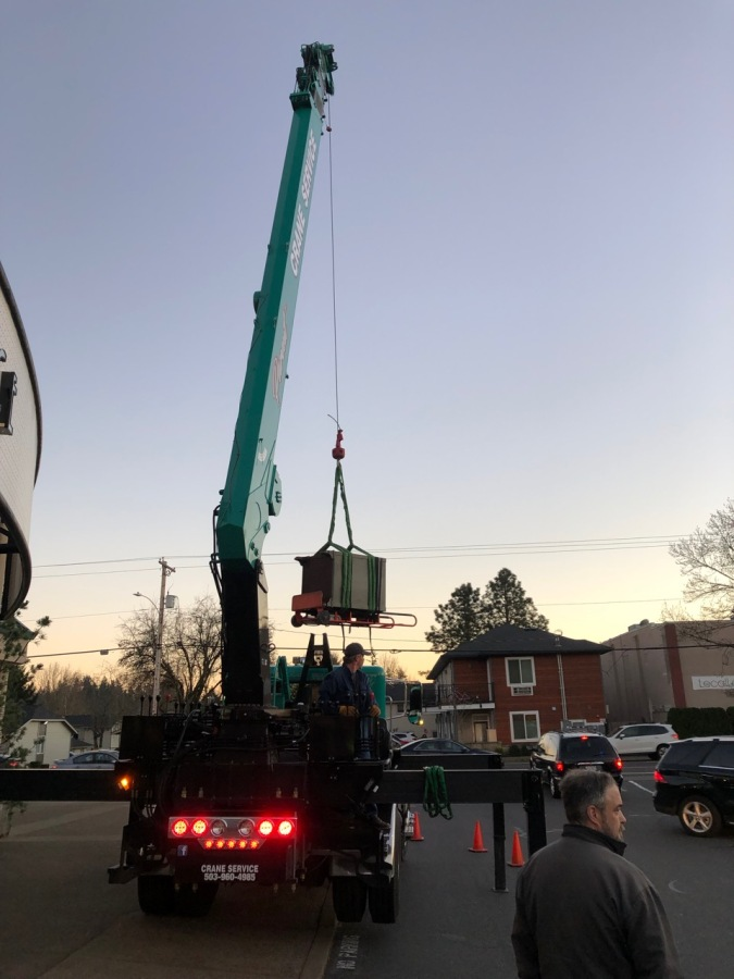 2019-01-30 Post Office Safe - safe coming off the truck
