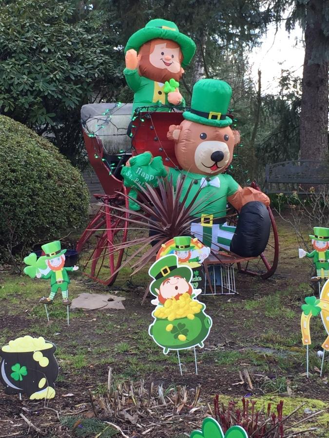 St Patricks yard display on SW 84th Ave