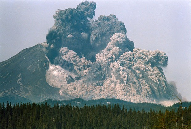 Mt St Helens eruption May 18, 1980