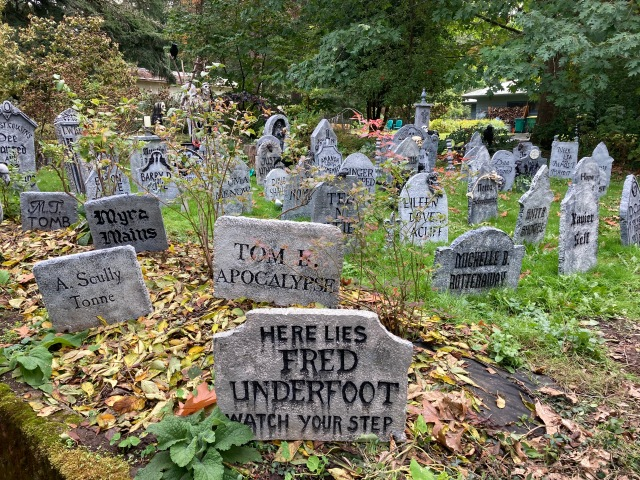 Halloween Garden Home Graveyard on SW 82nd - Here lies Fred Underfoot